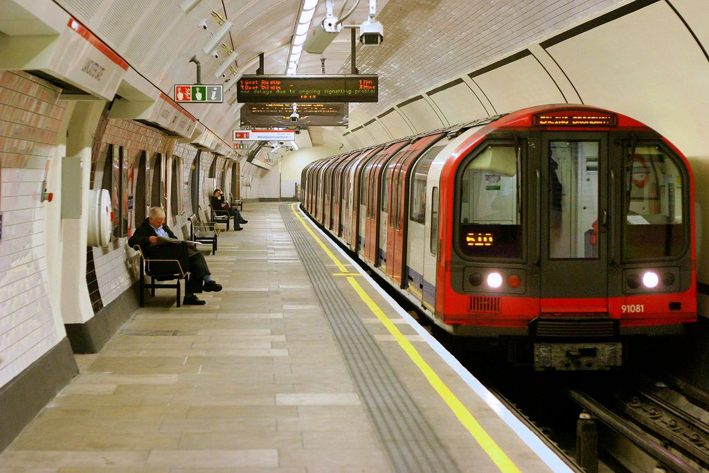 Ways to travel with ease in London